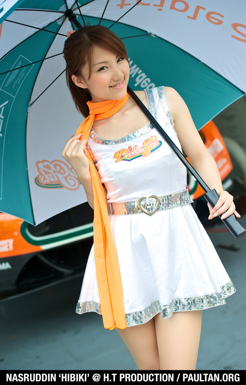 Super GT 2012 Rd 3: Of booth babes and race queens Image #112195