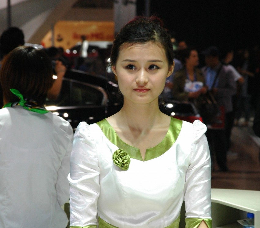 Auto China 2012: the ladies of Beijing share the spotlight Image #104334