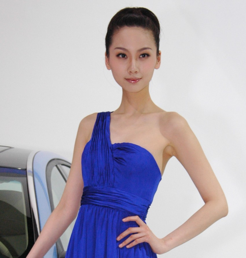 Auto China 2012: the ladies of Beijing share the spotlight Image #104327