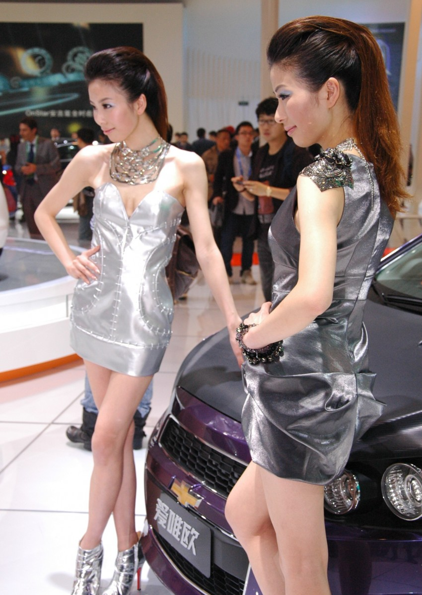 Auto China 2012: the ladies of Beijing share the spotlight Image #104529