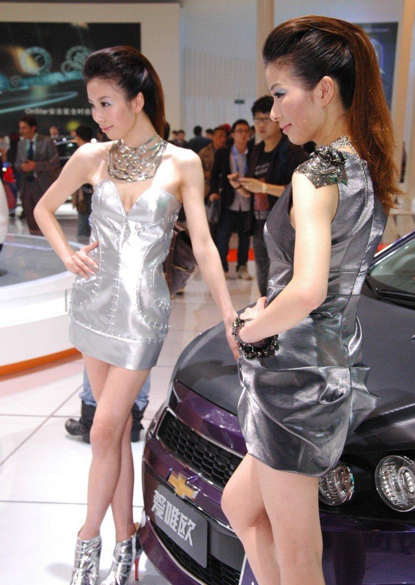 Auto China 2012: the ladies of Beijing share the spotlight Image #104529
