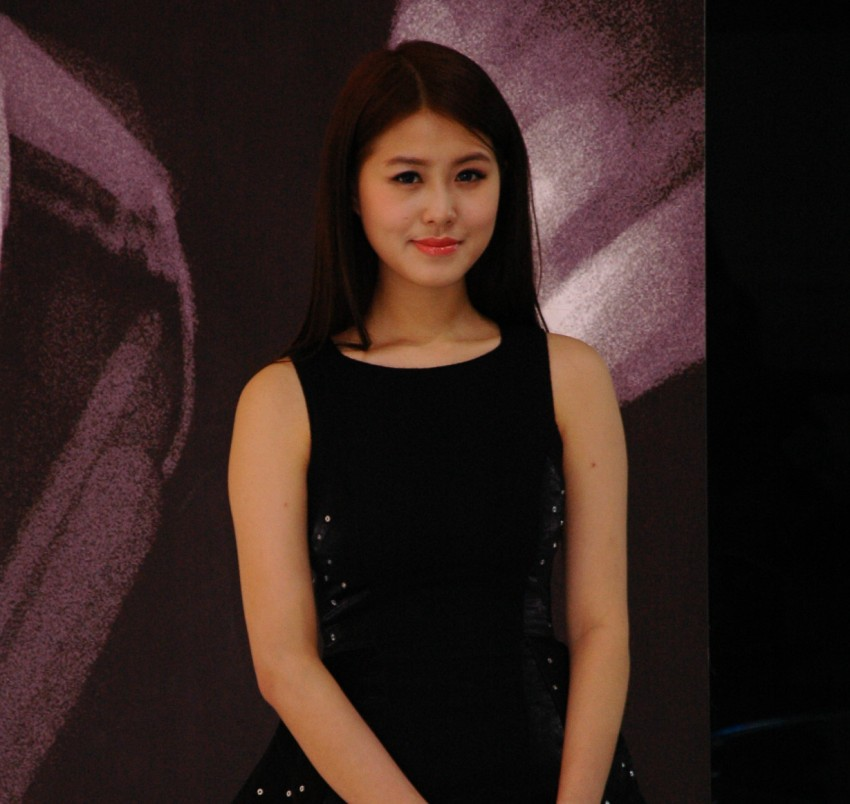 Auto China 2012: the ladies of Beijing share the spotlight Image #104336