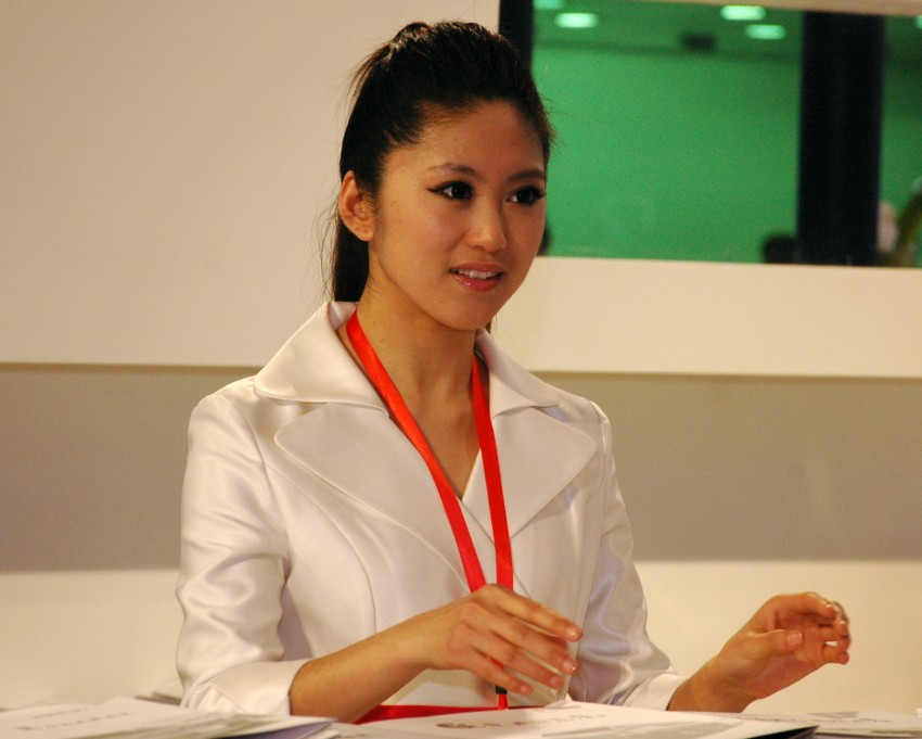 Auto China 2012: the ladies of Beijing share the spotlight Image #104361
