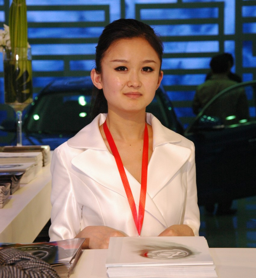 Auto China 2012: the ladies of Beijing share the spotlight Image #104363
