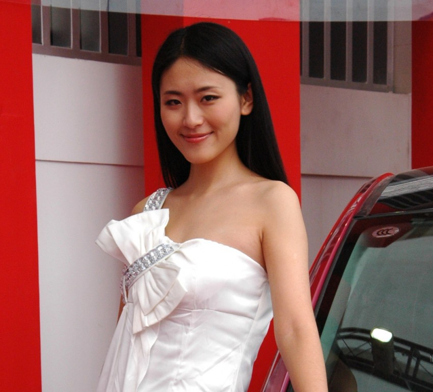 Auto China 2012: the ladies of Beijing share the spotlight Image #104374