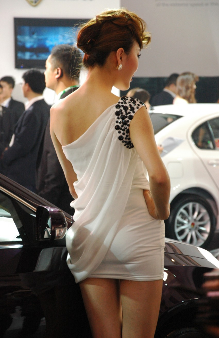 Auto China 2012: the ladies of Beijing share the spotlight Image #104379
