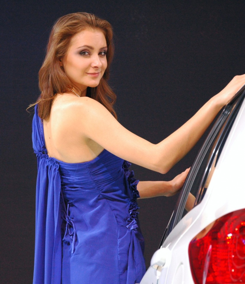 Auto China 2012: the ladies of Beijing share the spotlight Image #104356