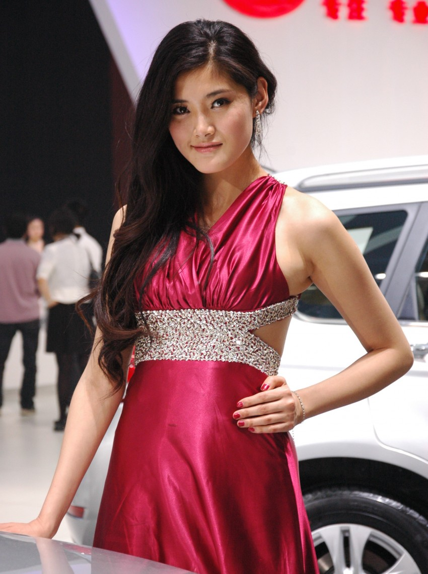 Auto China 2012: the ladies of Beijing share the spotlight Image #104358