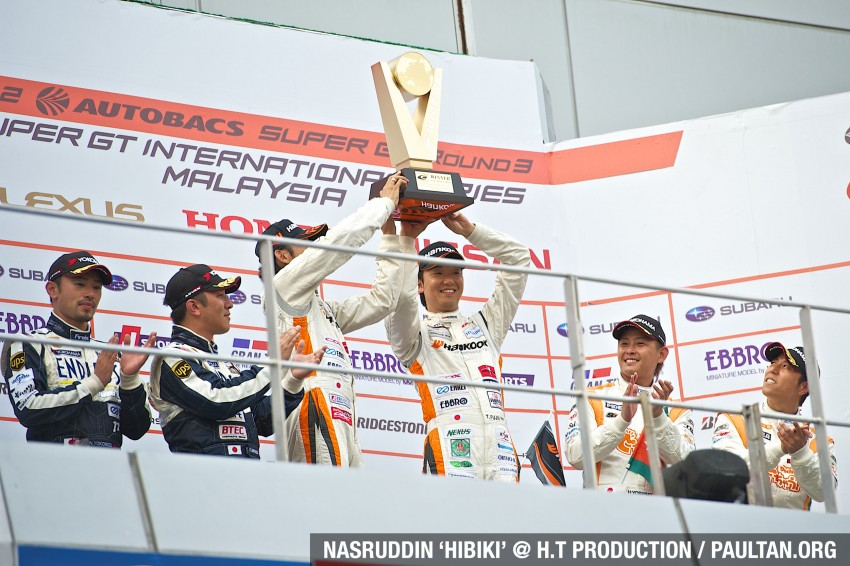Autobacs Super GT 2012 Round 3: Weider HSV-010 and Hankook Porsche win from pole position Image #111998