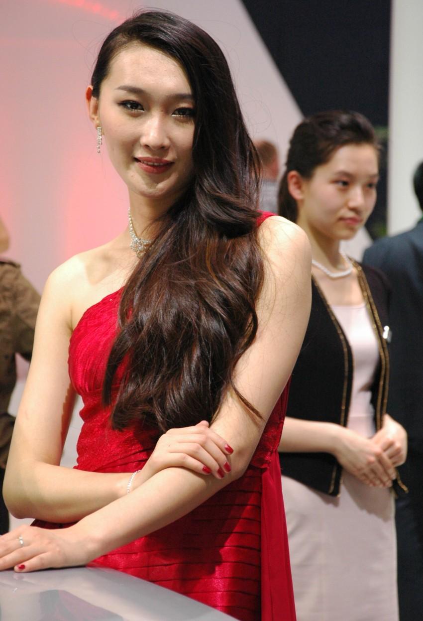 Auto China 2012: the ladies of Beijing share the spotlight Image #104420
