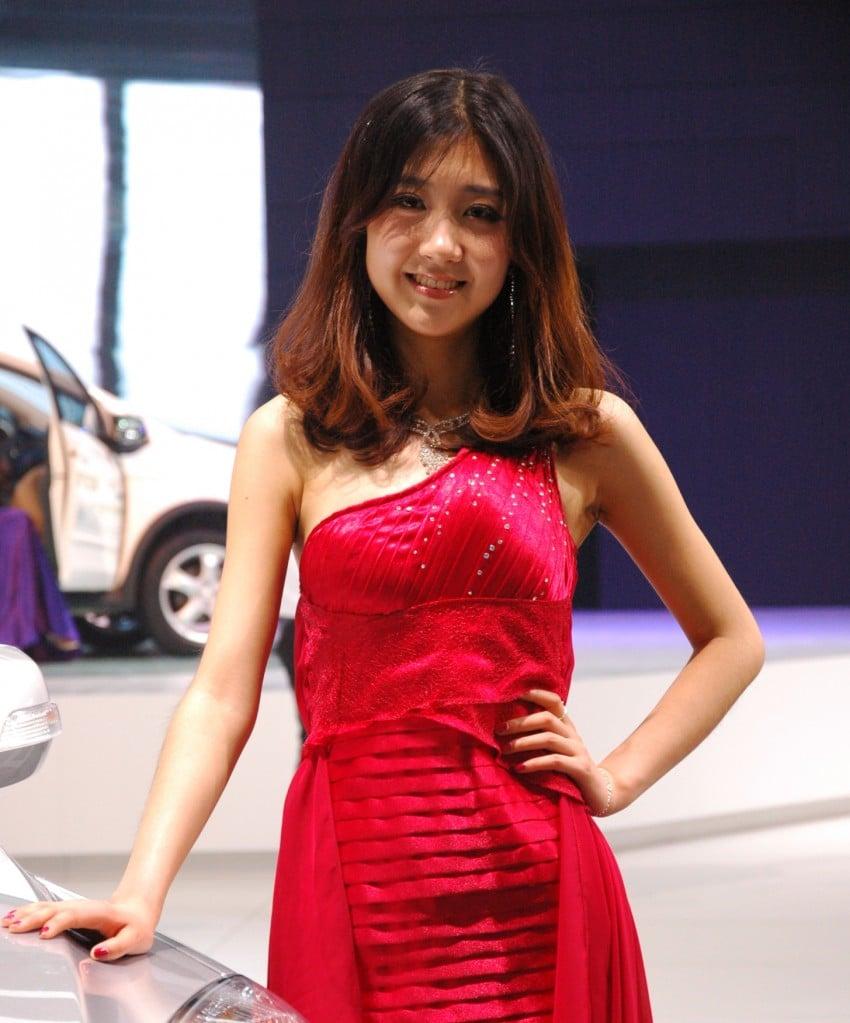Auto China 2012: the ladies of Beijing share the spotlight Image #104404