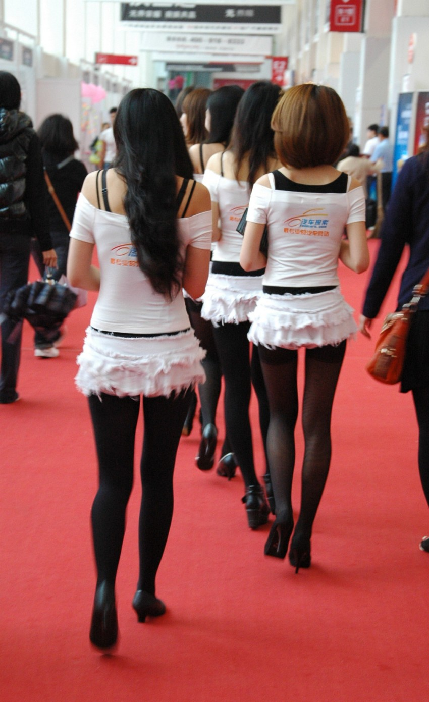 Auto China 2012: the ladies of Beijing share the spotlight Image #104406