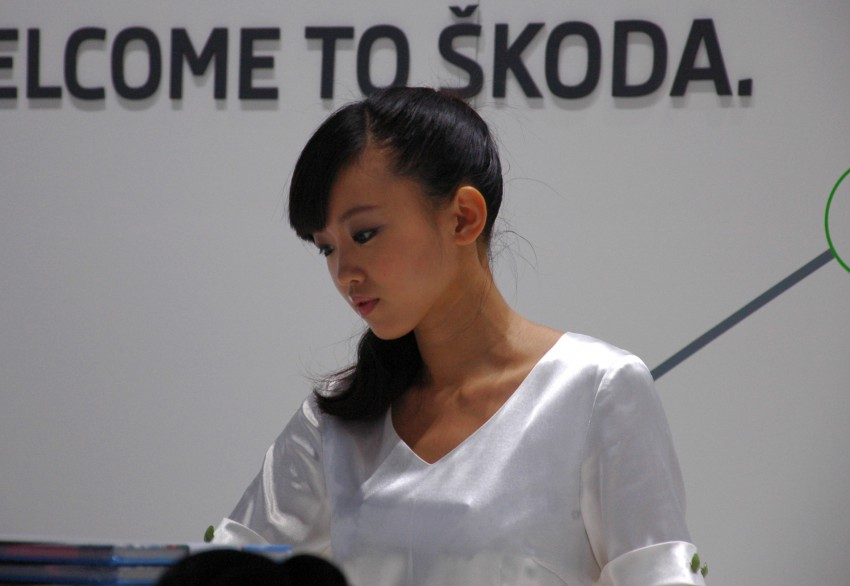Auto China 2012: the ladies of Beijing share the spotlight Image #104410