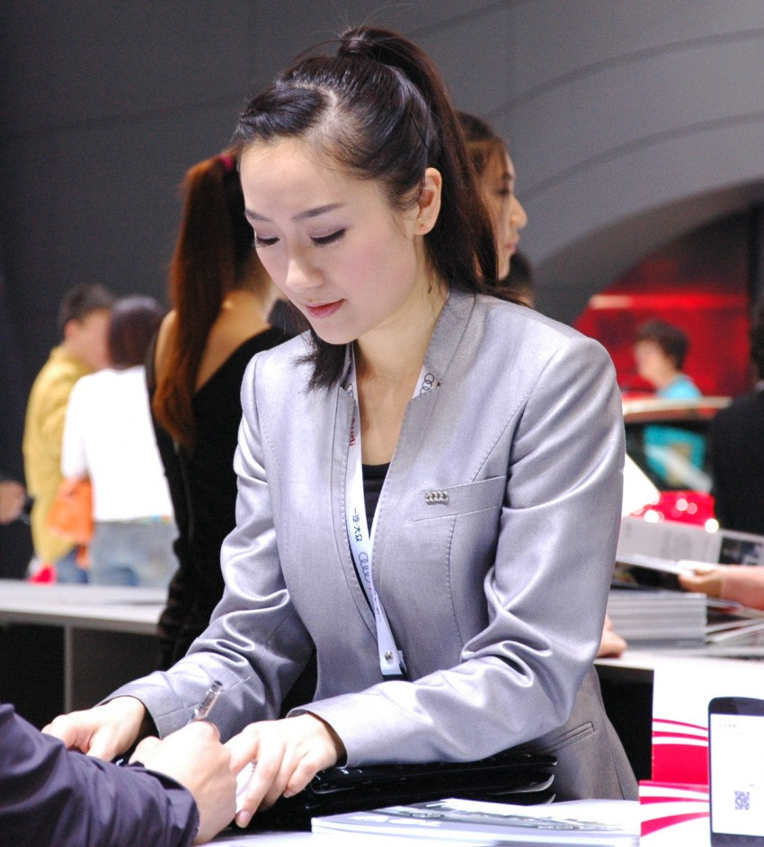 Auto China 2012: the ladies of Beijing share the spotlight Image #104411