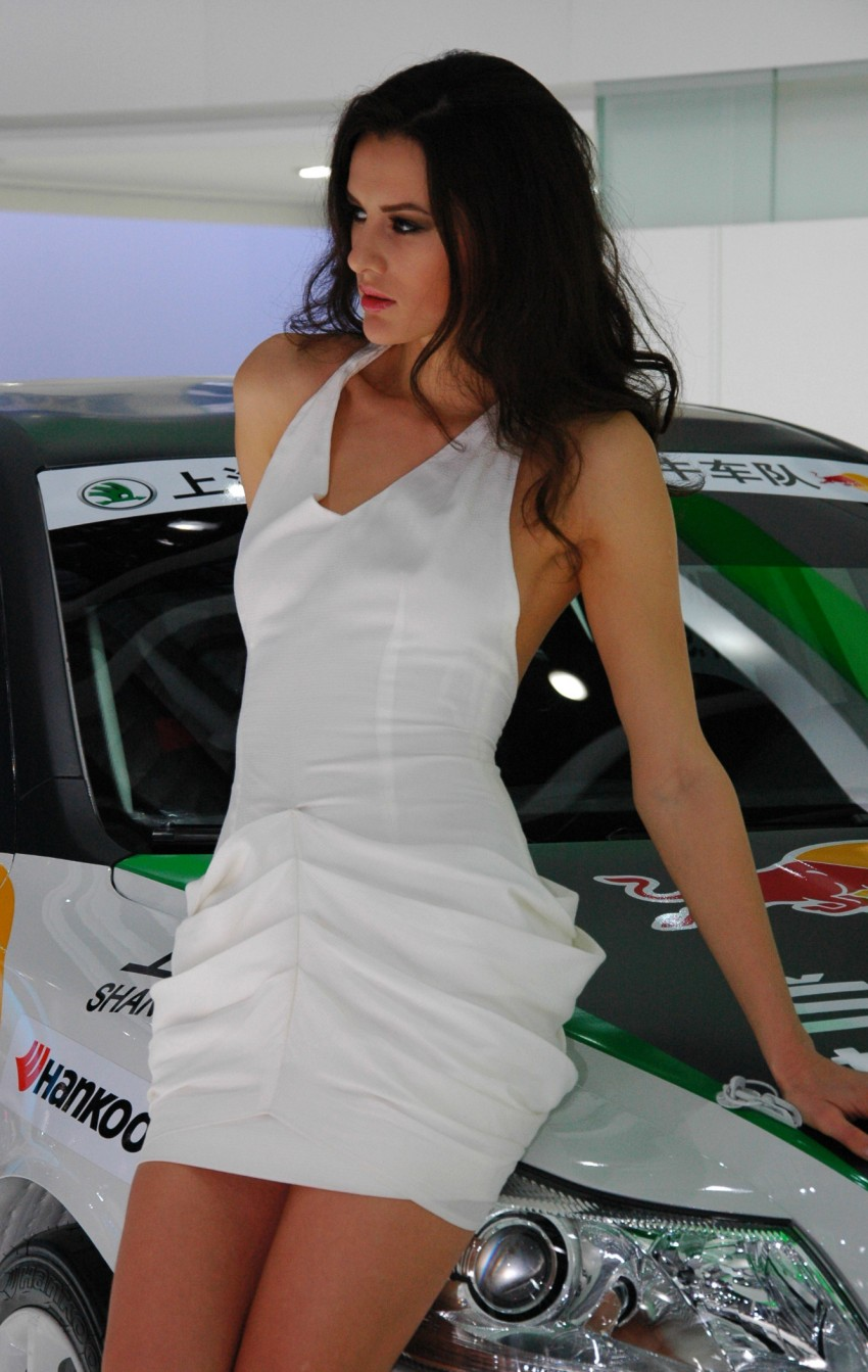Auto China 2012: the ladies of Beijing share the spotlight Image #104414