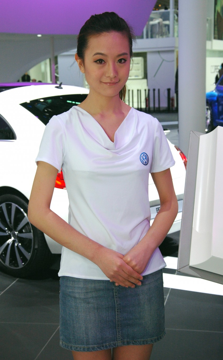 Auto China 2012: the ladies of Beijing share the spotlight Image #104415