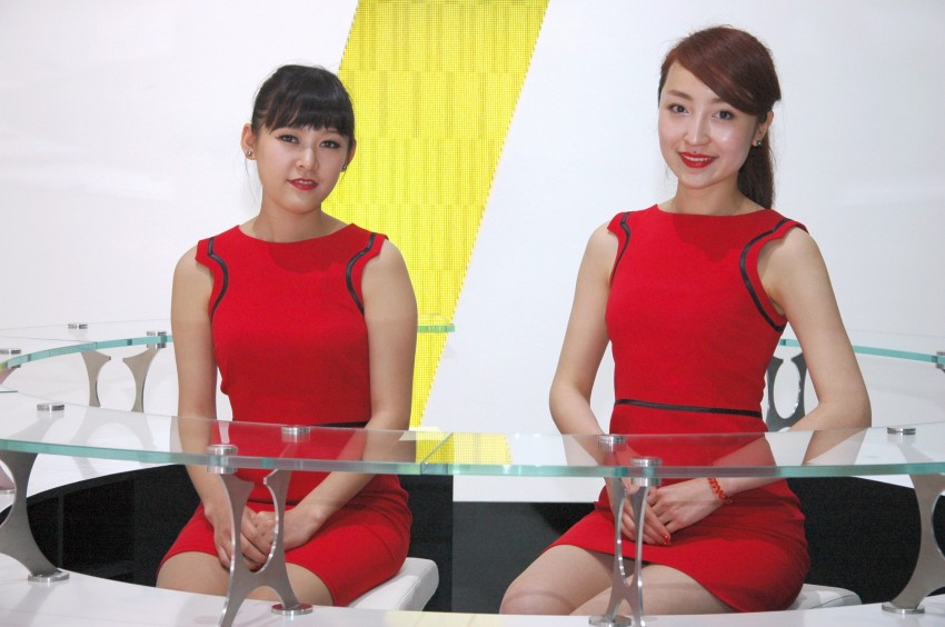Auto China 2012: the ladies of Beijing share the spotlight Image #104592