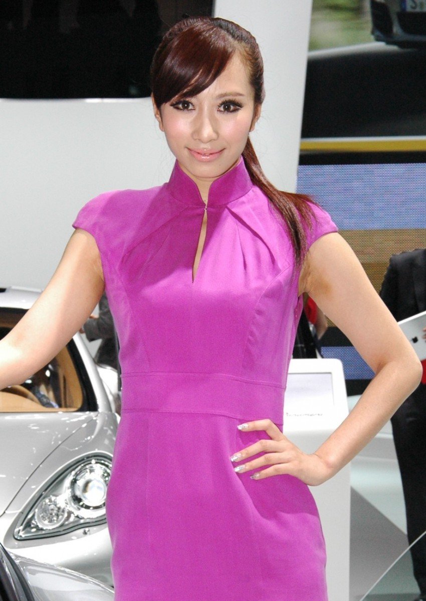 Auto China 2012: the ladies of Beijing share the spotlight Image #104464