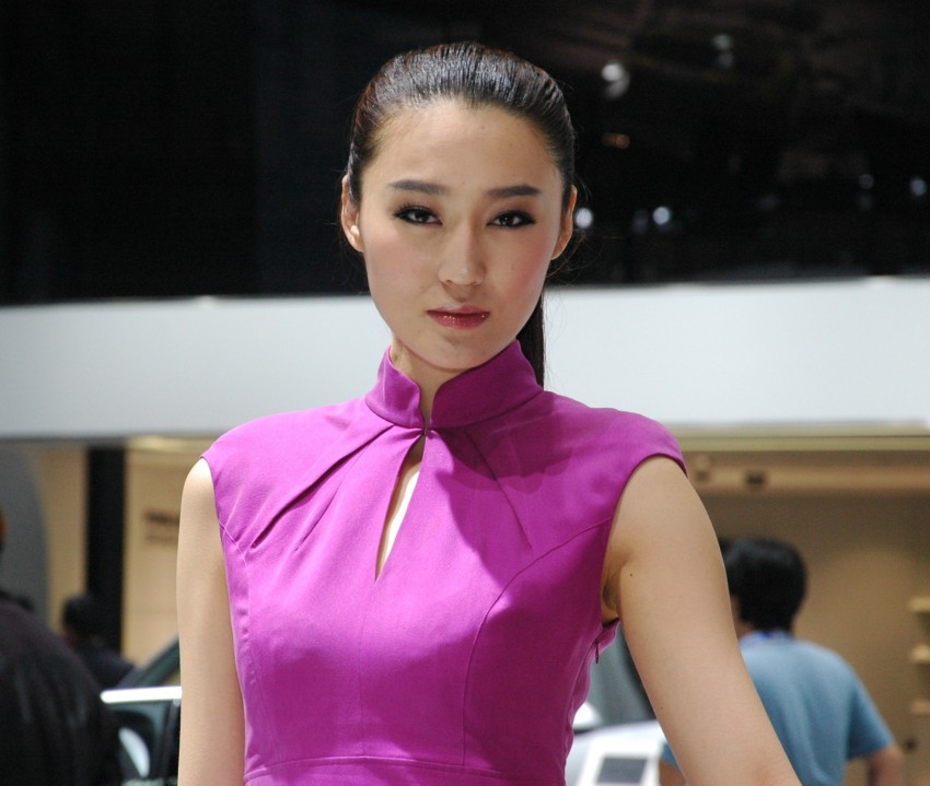 Auto China 2012: the ladies of Beijing share the spotlight Image #104418