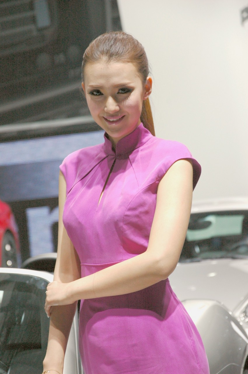 Auto China 2012: the ladies of Beijing share the spotlight Image #104600