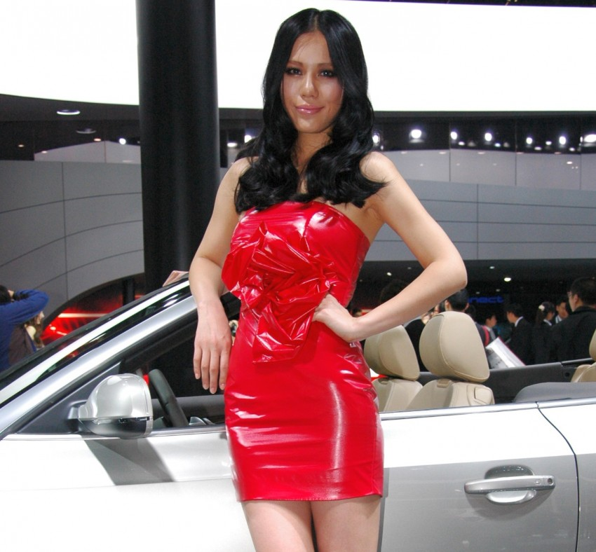 Auto China 2012: the ladies of Beijing share the spotlight Image #104463