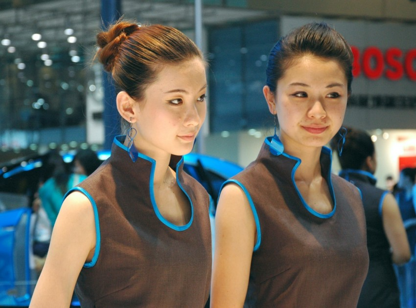 Auto China 2012: the ladies of Beijing share the spotlight Image #104466