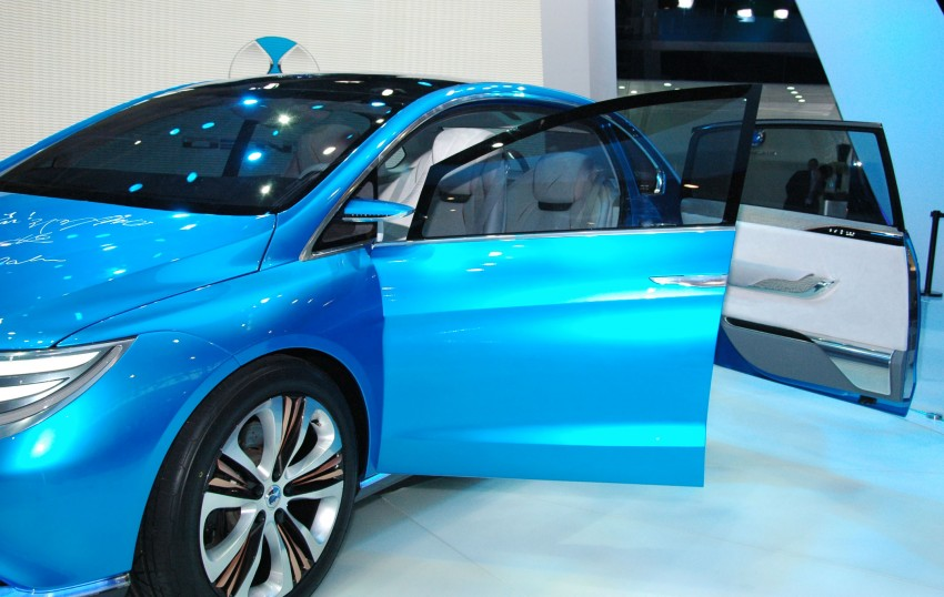 First Denza electric vehicle surfaces at Auto China 2012 Image #103018