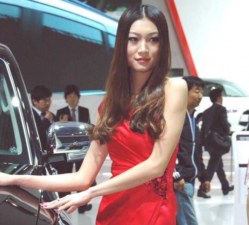 Auto China 2012: the ladies of Beijing share the spotlight Image #104457