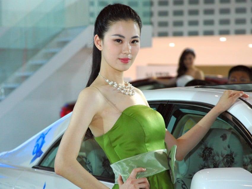 Auto China 2012: the ladies of Beijing share the spotlight Image #104597