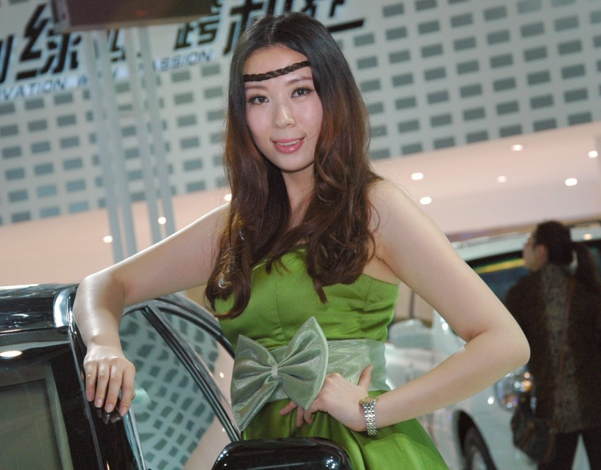 Auto China 2012: the ladies of Beijing share the spotlight Image #104591