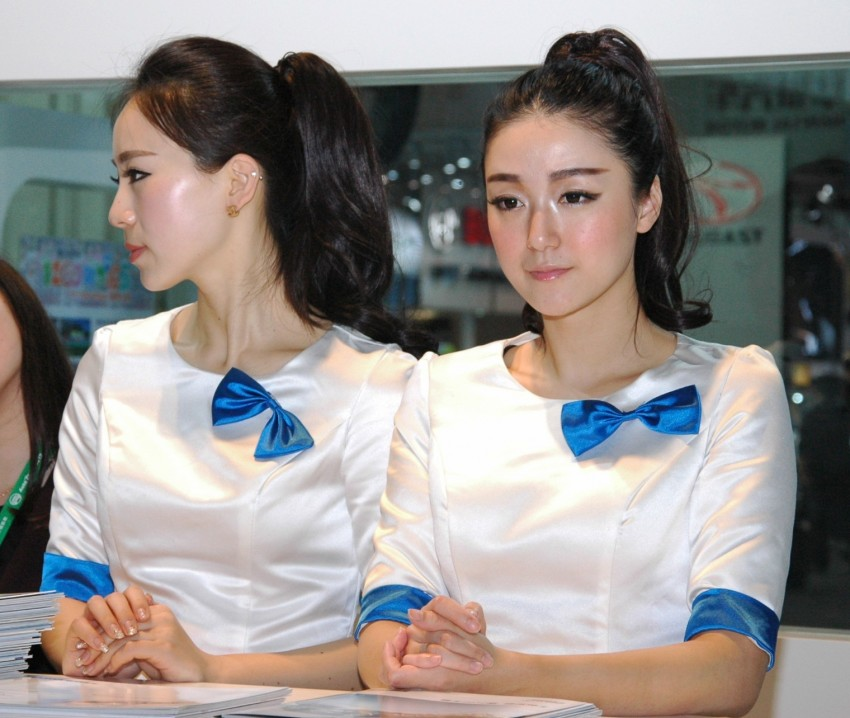 Auto China 2012: the ladies of Beijing share the spotlight Image #104461