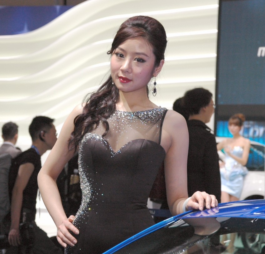 Auto China 2012: the ladies of Beijing share the spotlight Image #104525