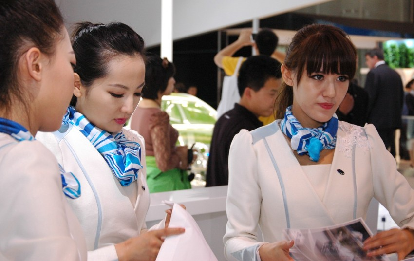 Auto China 2012: the ladies of Beijing share the spotlight Image #104511