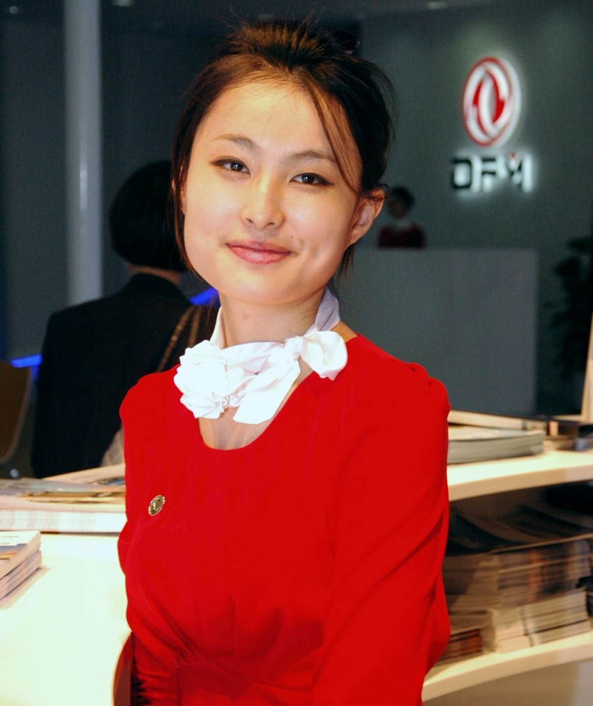 Auto China 2012: the ladies of Beijing share the spotlight Image #104510