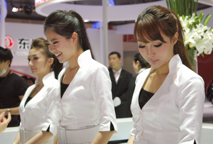 Auto China 2012: the ladies of Beijing share the spotlight Image #104487
