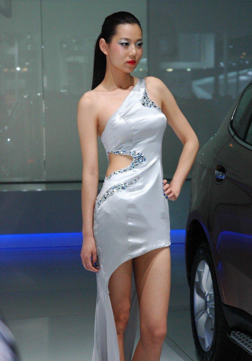 Auto China 2012: the ladies of Beijing share the spotlight Image #104488