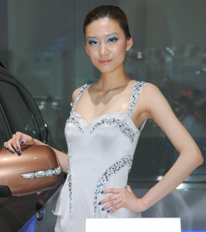Auto China 2012: the ladies of Beijing share the spotlight Image #104489