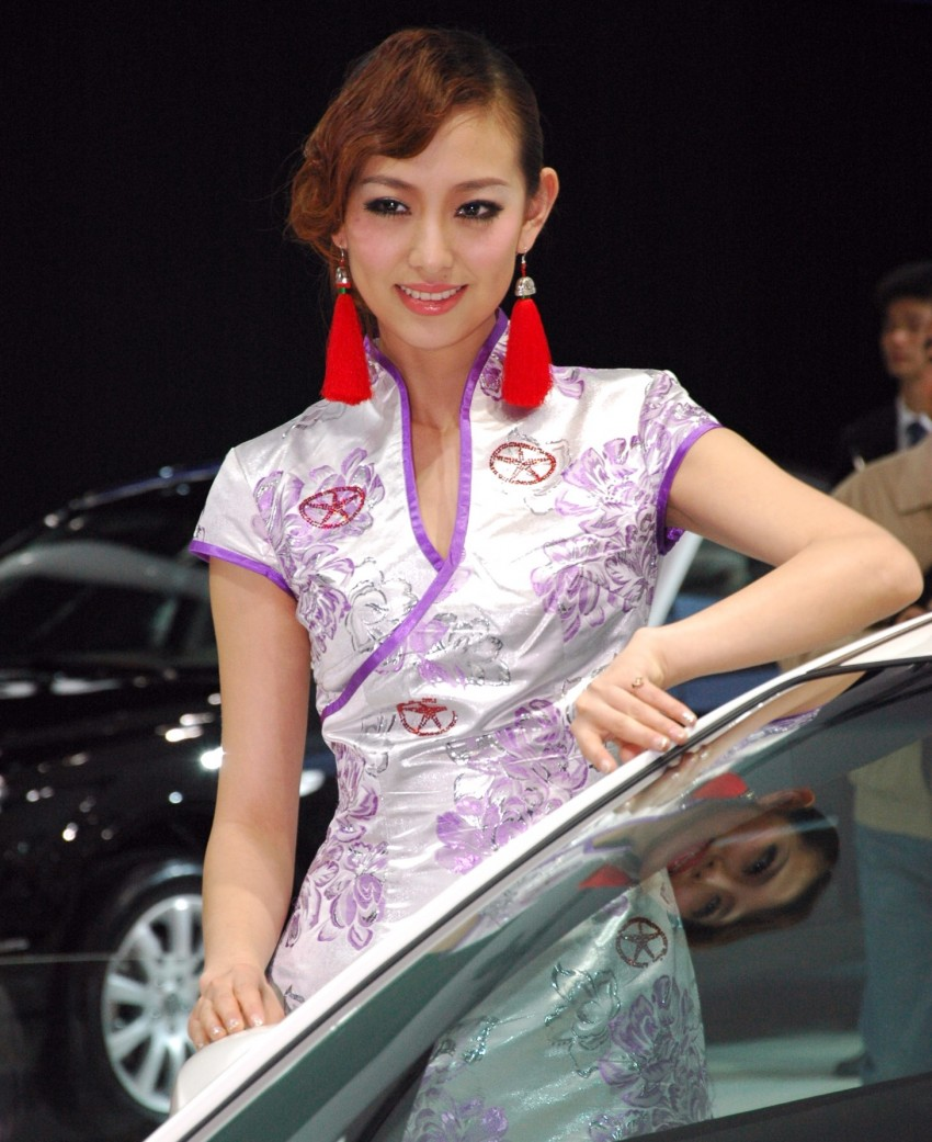 Auto China 2012: the ladies of Beijing share the spotlight Image #104524