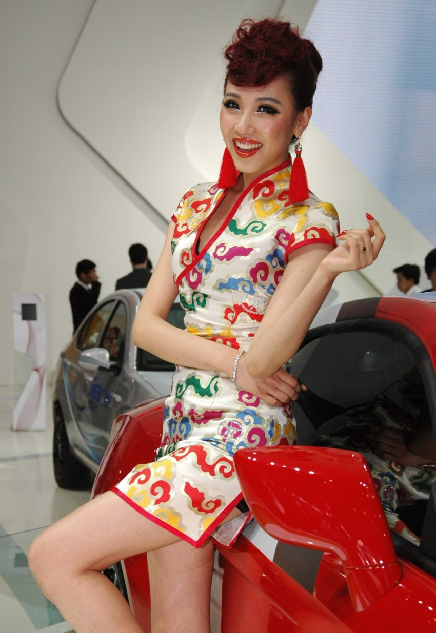 Auto China 2012: the ladies of Beijing share the spotlight Image #104523