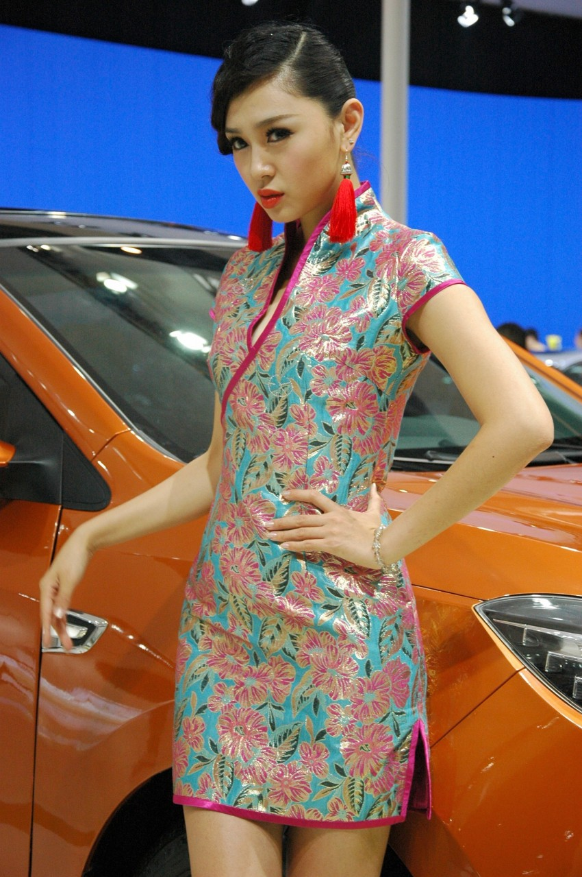Auto China 2012: the ladies of Beijing share the spotlight Image #104515