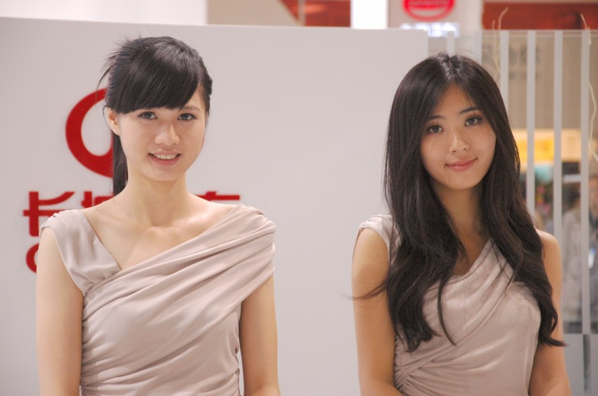 Auto China 2012: the ladies of Beijing share the spotlight Image #104520