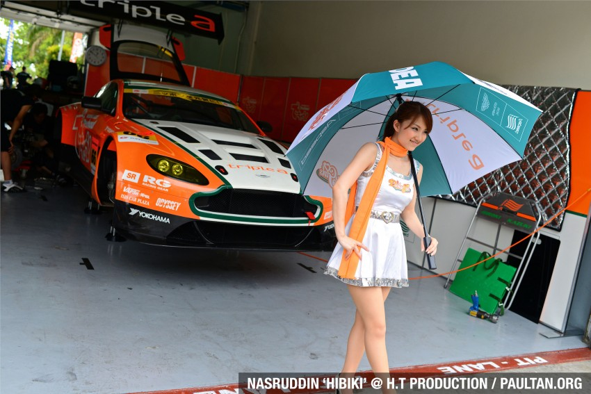 Super GT 2012 Rd 3: Of booth babes and race queens Image #112212