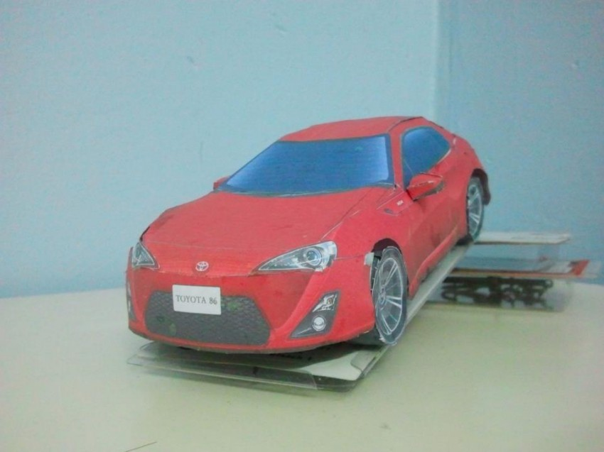 Toyota 86 assembled. Photo taken. Prize will be won. Image #104252