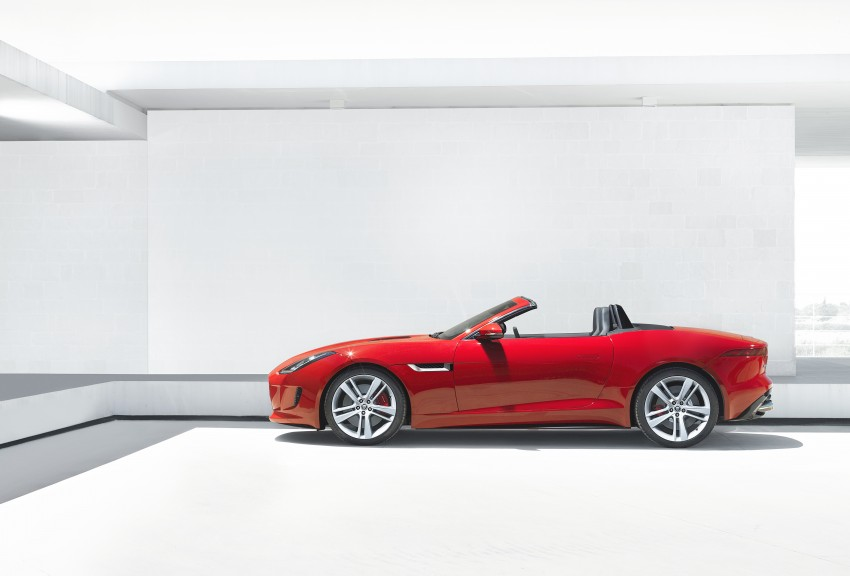 Jaguar F-Type debuts at Paris 2012: V6, V6 S and V8 S Image #133677