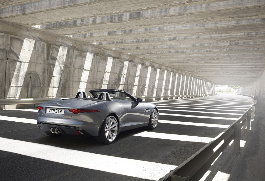Jaguar F-Type debuts at Paris 2012: V6, V6 S and V8 S Image #133663