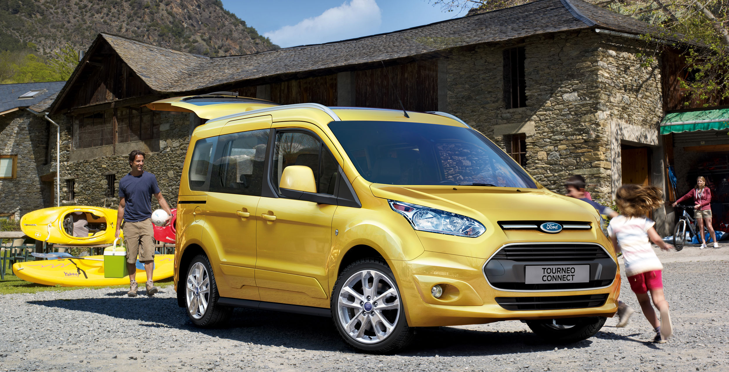 ford tourneo connect unveiled in amsterdam. Black Bedroom Furniture Sets. Home Design Ideas