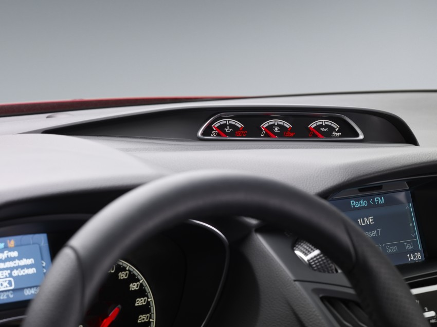 Ford Focus ST debuts, in five-door and estate forms Image #131055