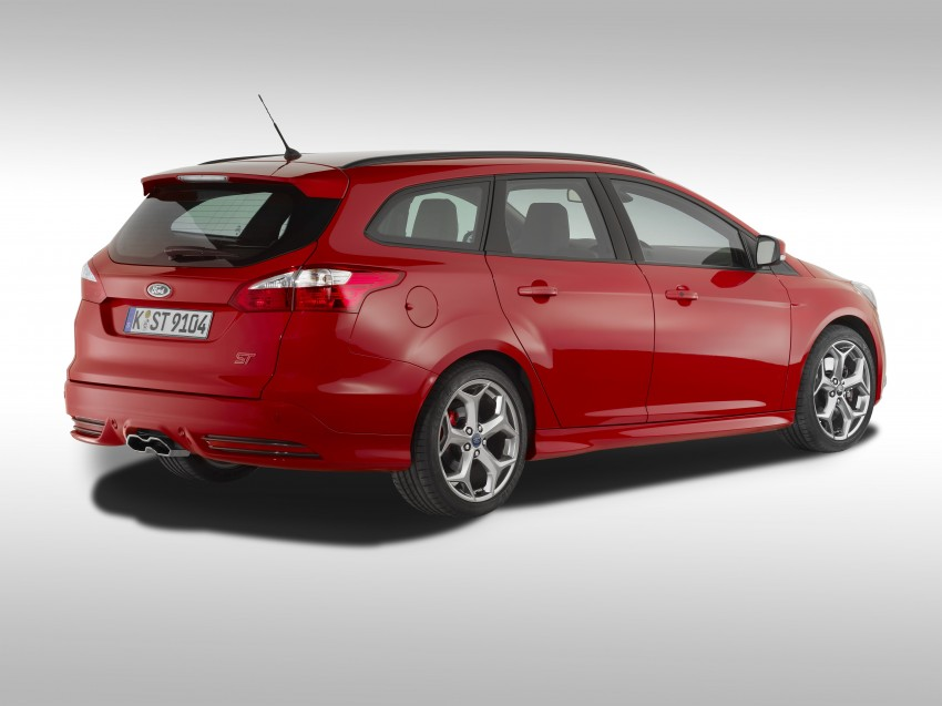 Ford Focus ST debuts, in five-door and estate forms Image #131053