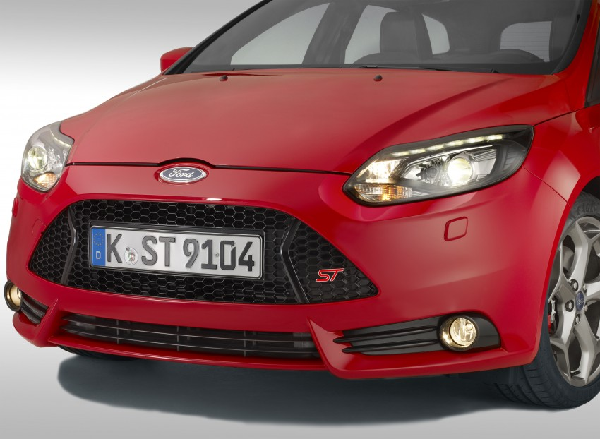 Ford Focus ST debuts, in five-door and estate forms Image #131049