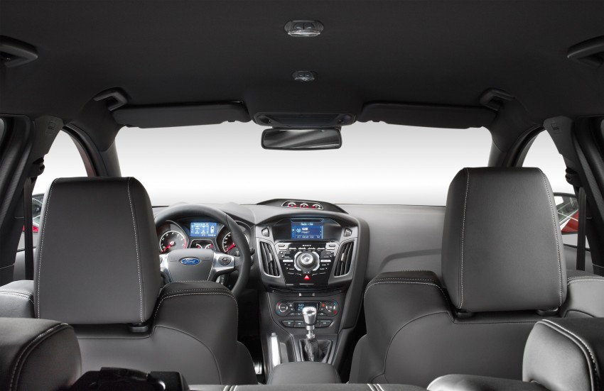 Ford Focus ST debuts, in five-door and estate forms Image #131045